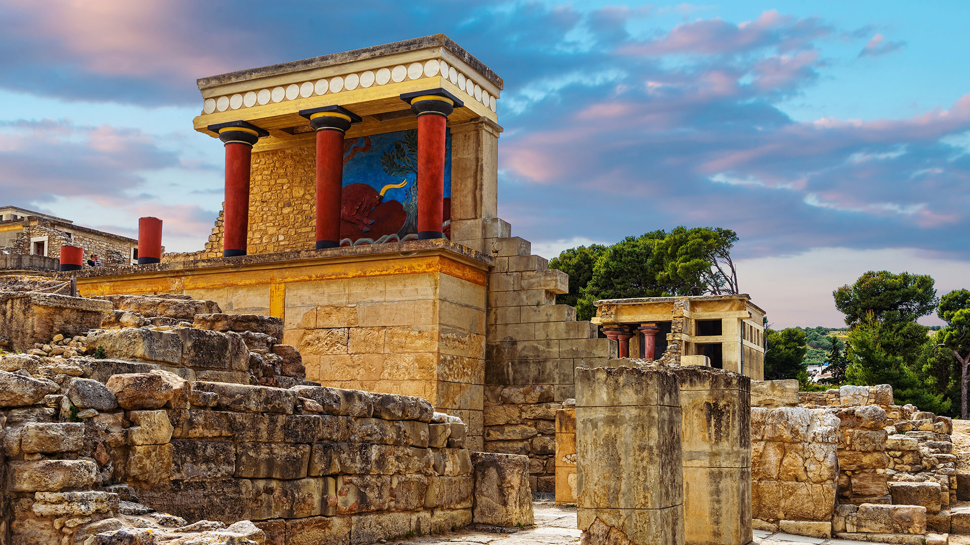 Discover the Palace of Knossos
